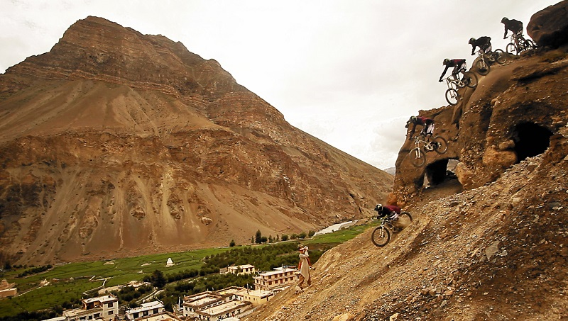 Downhill-Biking-In-India-Athlete-and-Ecosystem-image-1
