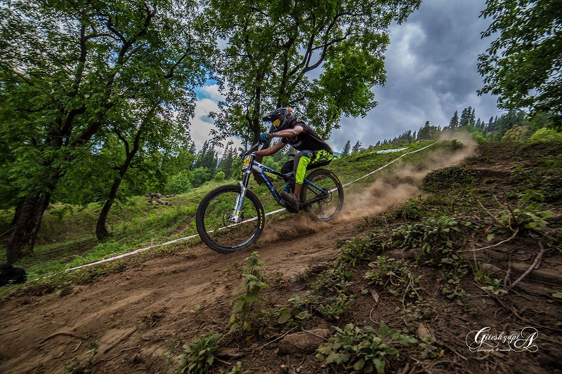 Downhill-Biking-In-India-Athlete-and-Ecosystem-image-7