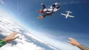 Zerxes Wadia on how to get an AFF Skydiving License