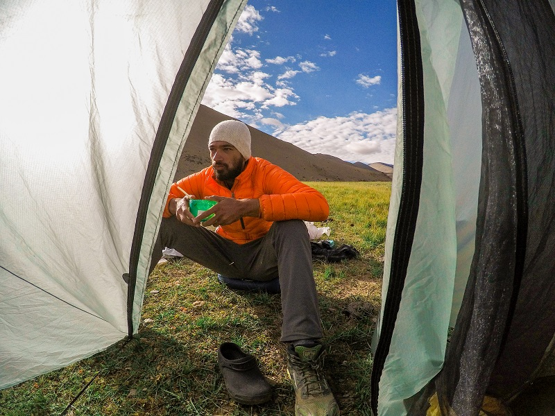 Outdoors Clothing 101: Layering Guide for the Himalayan Trekker | Trekking101 | 4Play.in