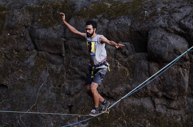 Losing fears and finding family through highlining - Highlining in India | 4Play.in