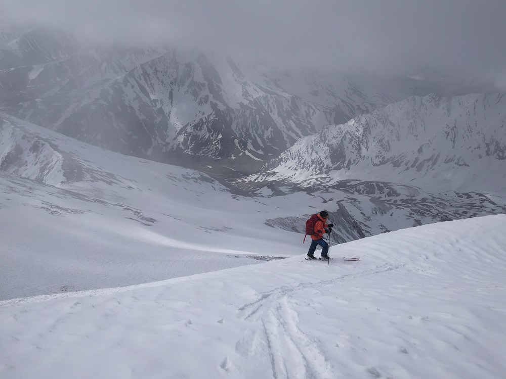 First Ski Descent of Mt. Yanum, a 6111 mtr Peak | 4Play.in